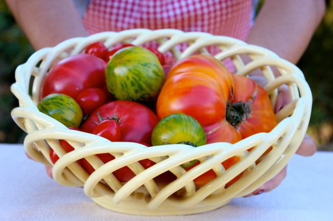 Heirloom Tomato Basket