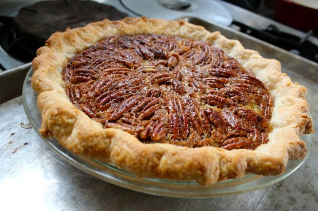 How to Make a Pecan Pie | Dear Martini