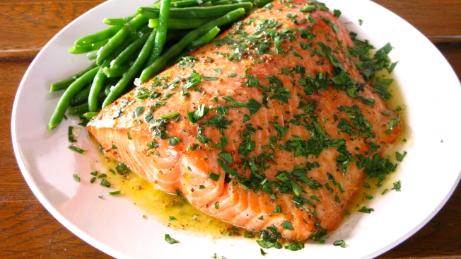 Simple and delicious salmon recipe via Dear Martini Blog